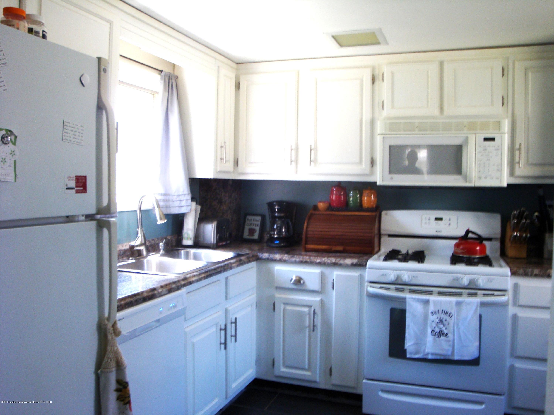 5925 Potter St - kitchen 2 - 10