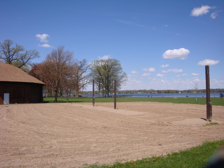 5925 Potter St - volleyball & lake - 18