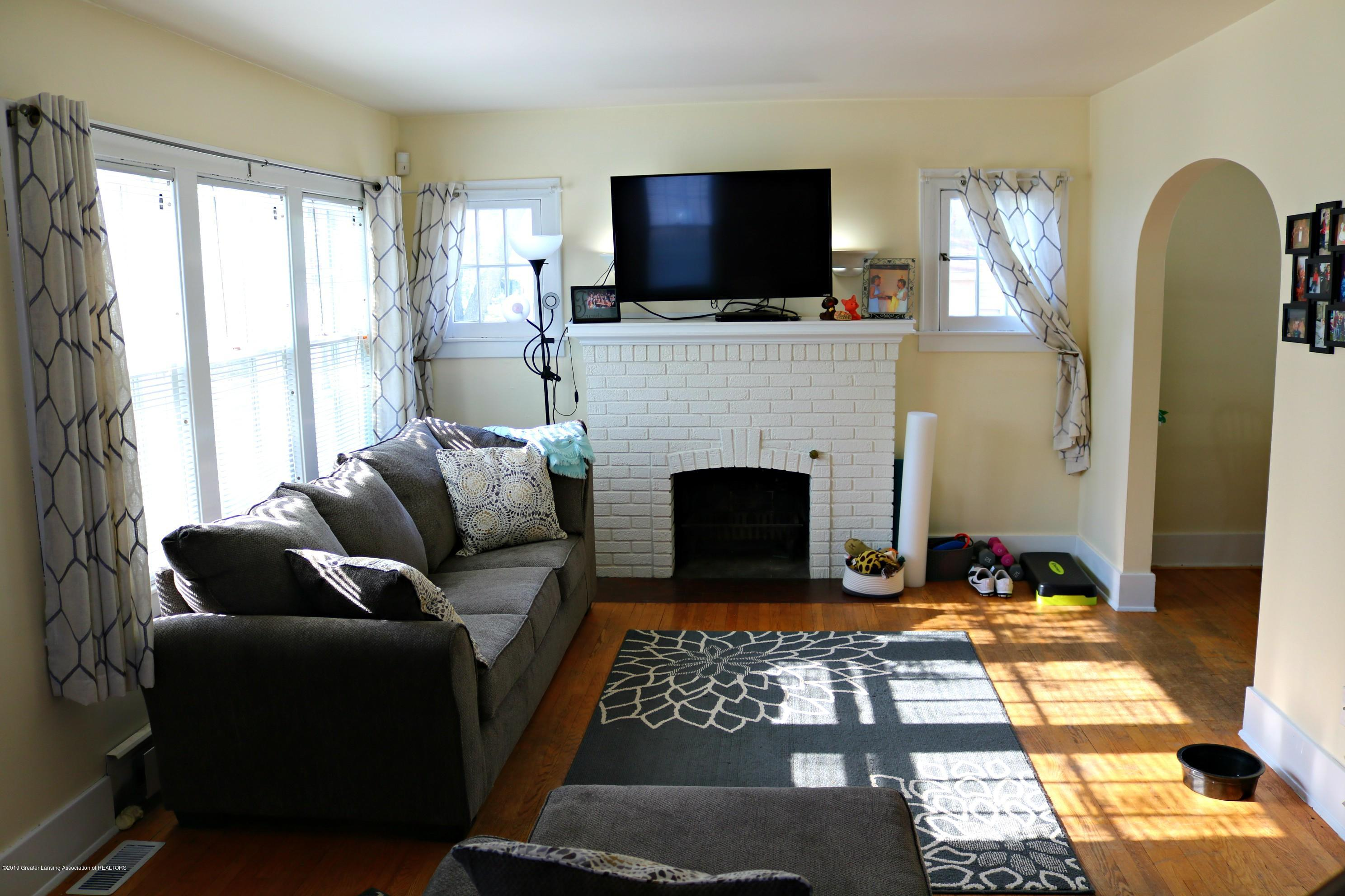 703 N Magnolia Ave - Living Room - 2