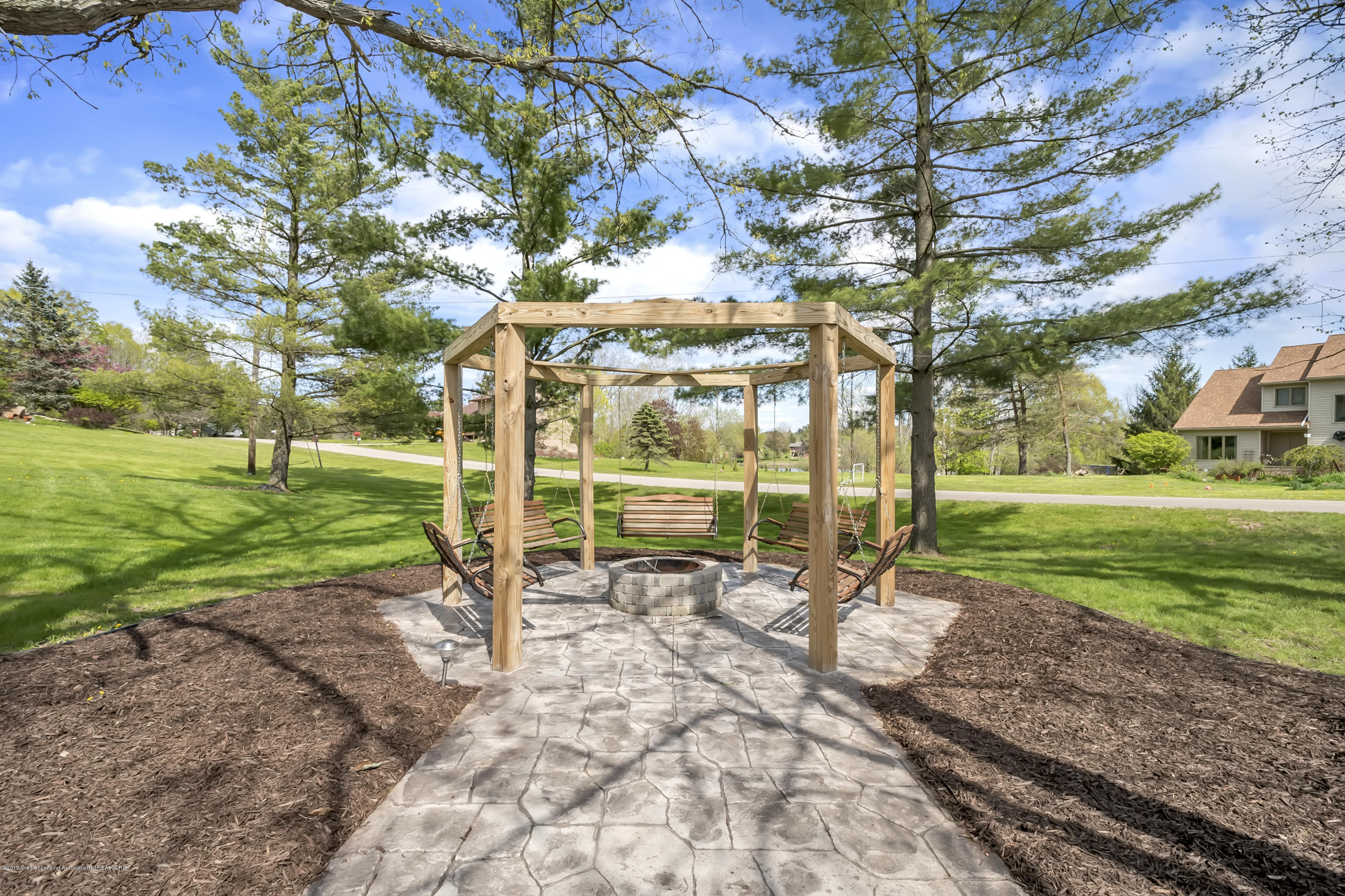 3648 Ponderosa Dr - Fire Pit with Swing Seating - 48