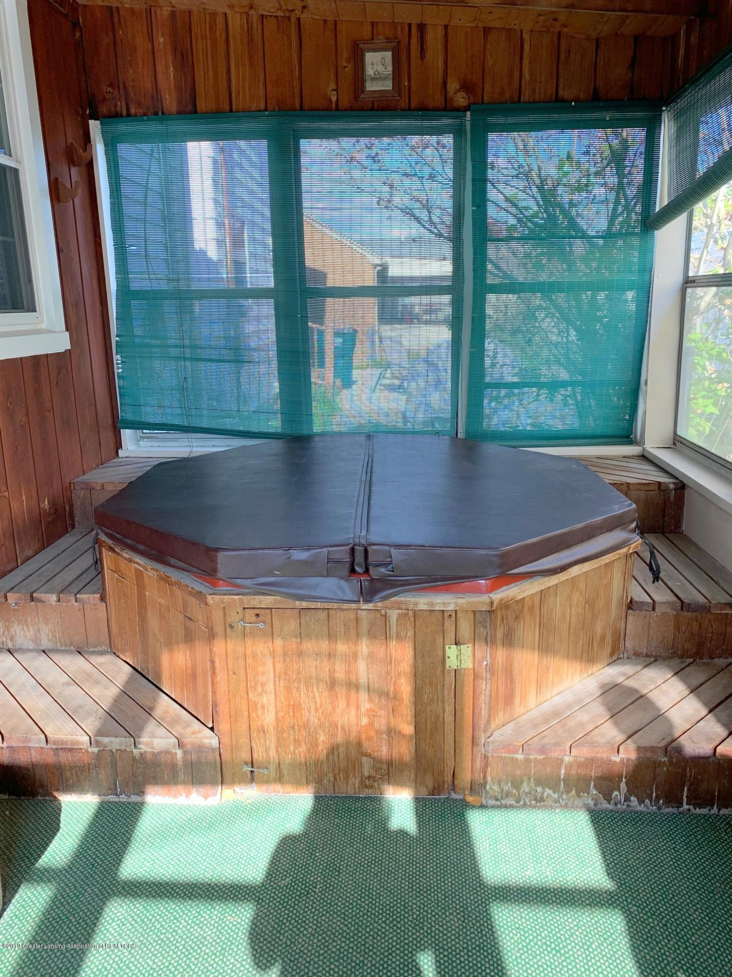 1116 Pershing Dr - Sun Porch Hot Tub - 33
