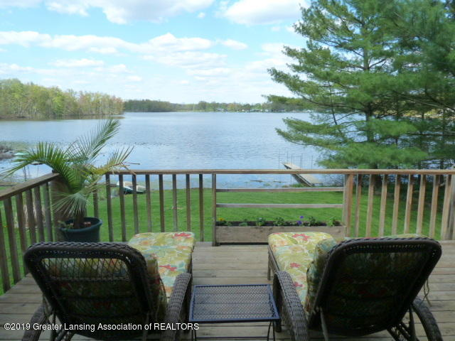 6960 Lakeview Dr - Deck with Lake View - 3