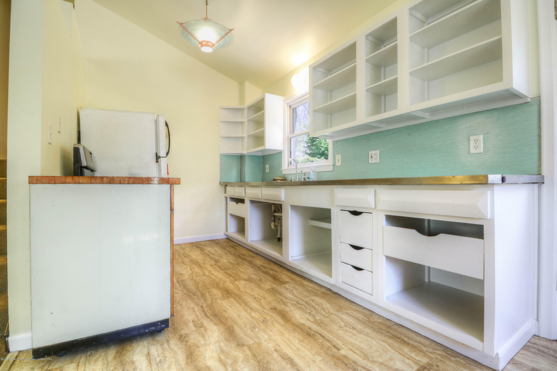 1400 Indiana Ave - Kitchen - 4