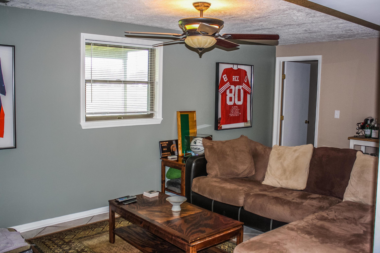 109 W Oak St - untitled-5691 - 24