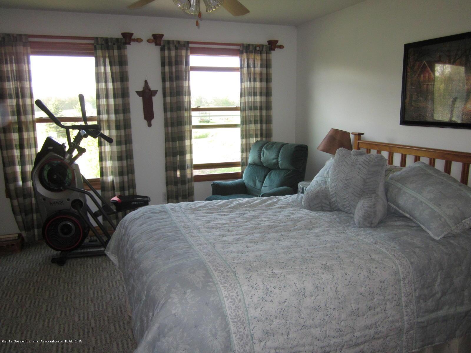 420 W Church Rd - Master Bedroom - 11