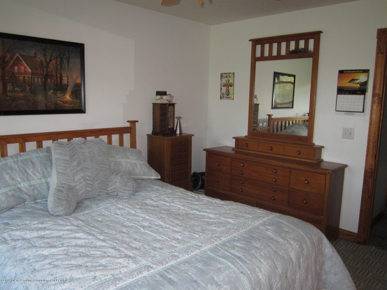 420 W Church Rd - Master Bedroom - 12
