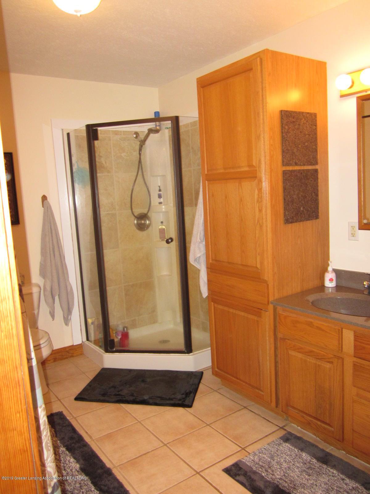 420 W Church Rd - Master Bath - 14