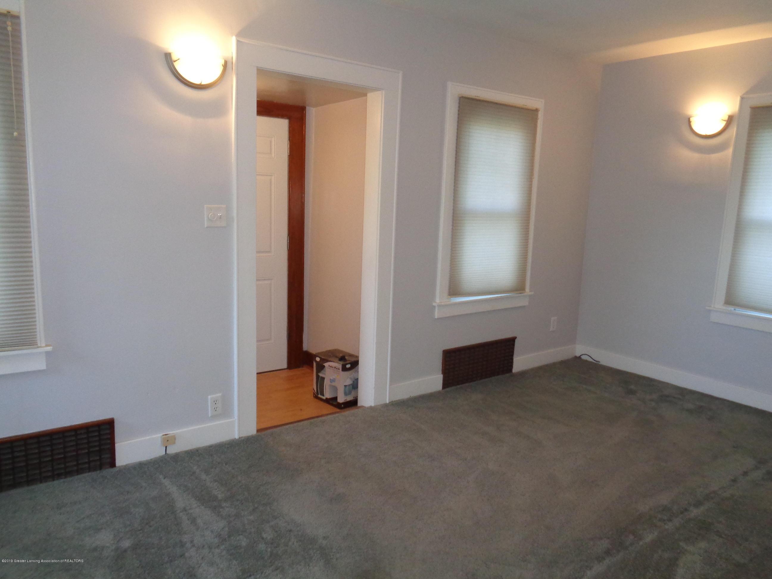 3522 N Aurelius Rd - aurelius livingroom 2 - 9