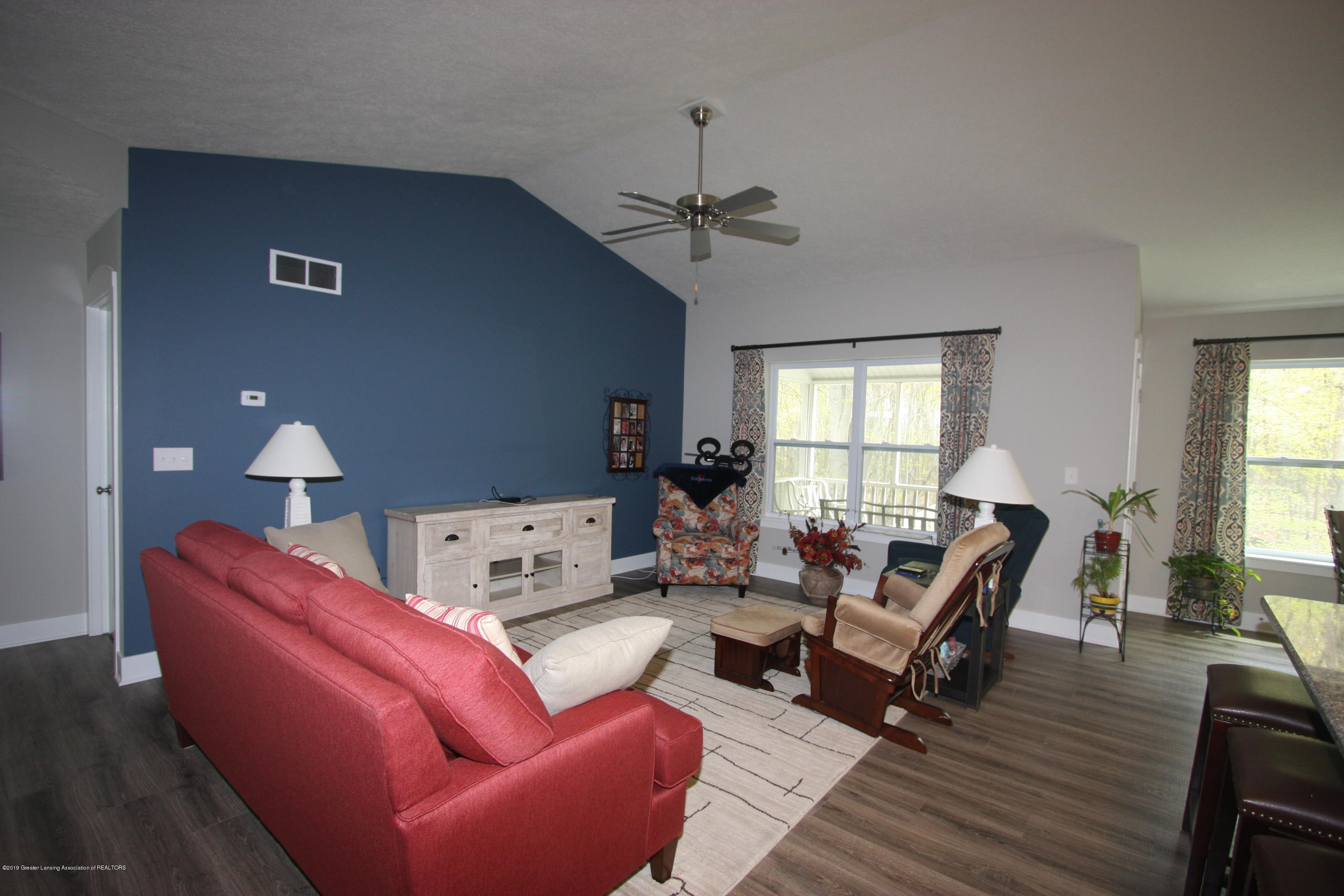 201 Barrington Cir 63 - IMG_9250 - 2