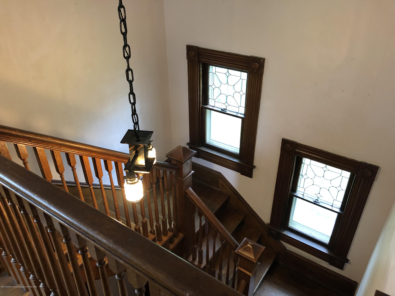 309 W Baldwin St - Main stairway - 33