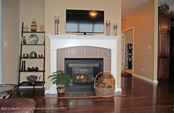 3989 Sunshine Peak - Gas Fireplace - 9