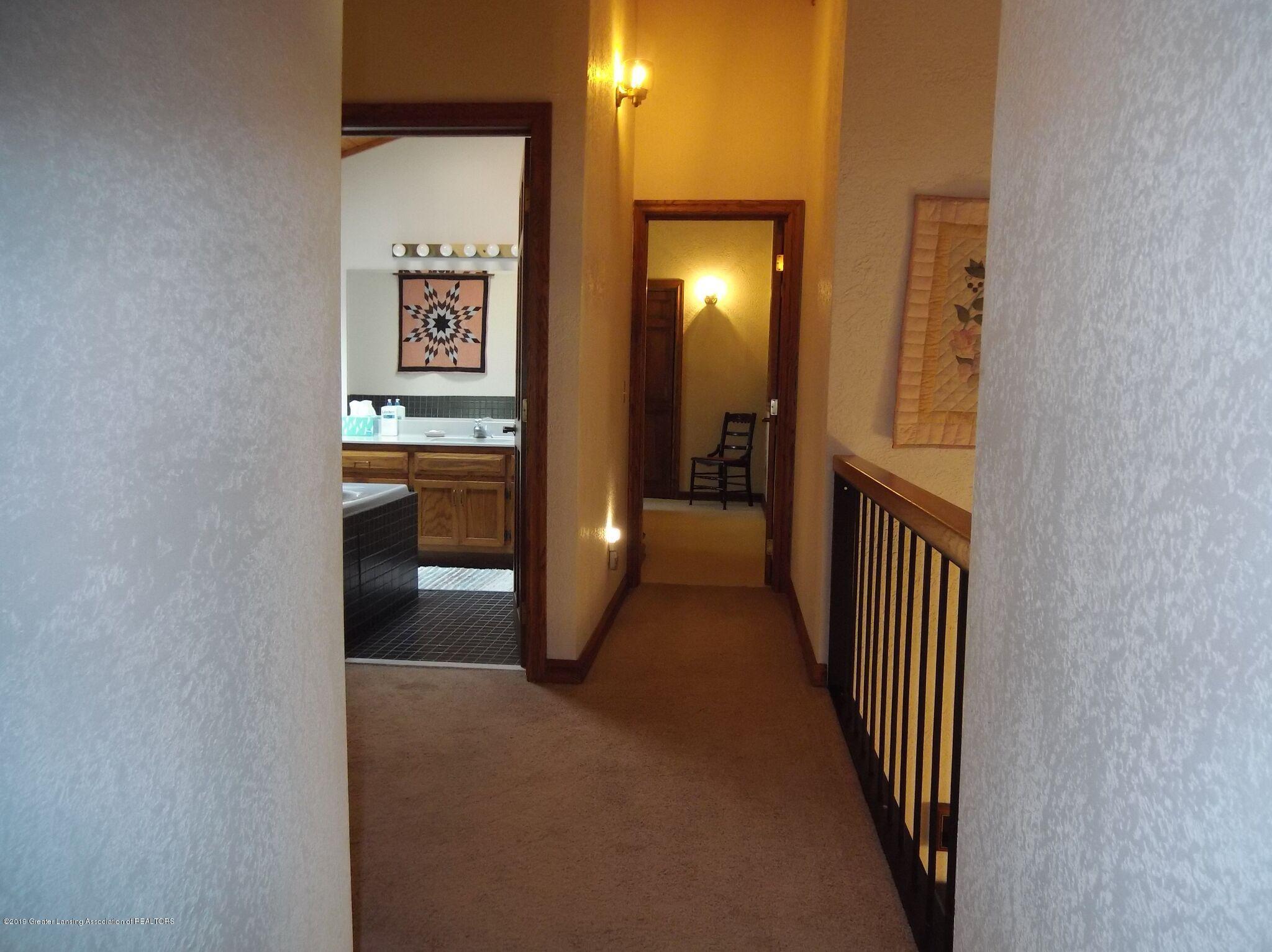 8144 Corrison Rd - Hallway - 19