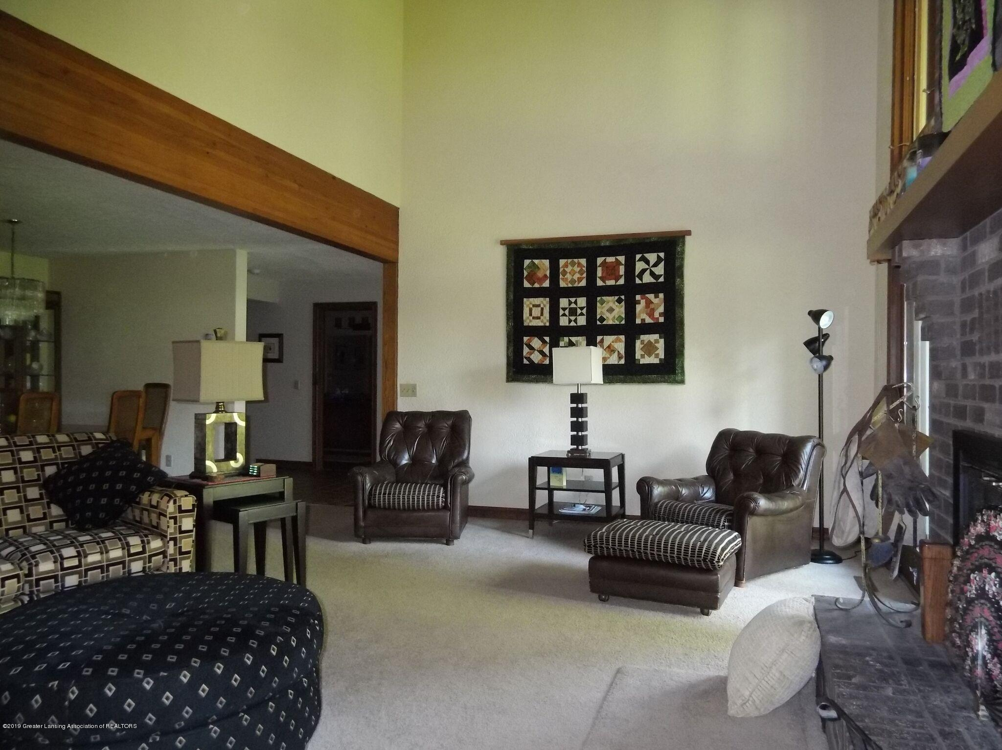 8144 Corrison Rd - Living Room - 11