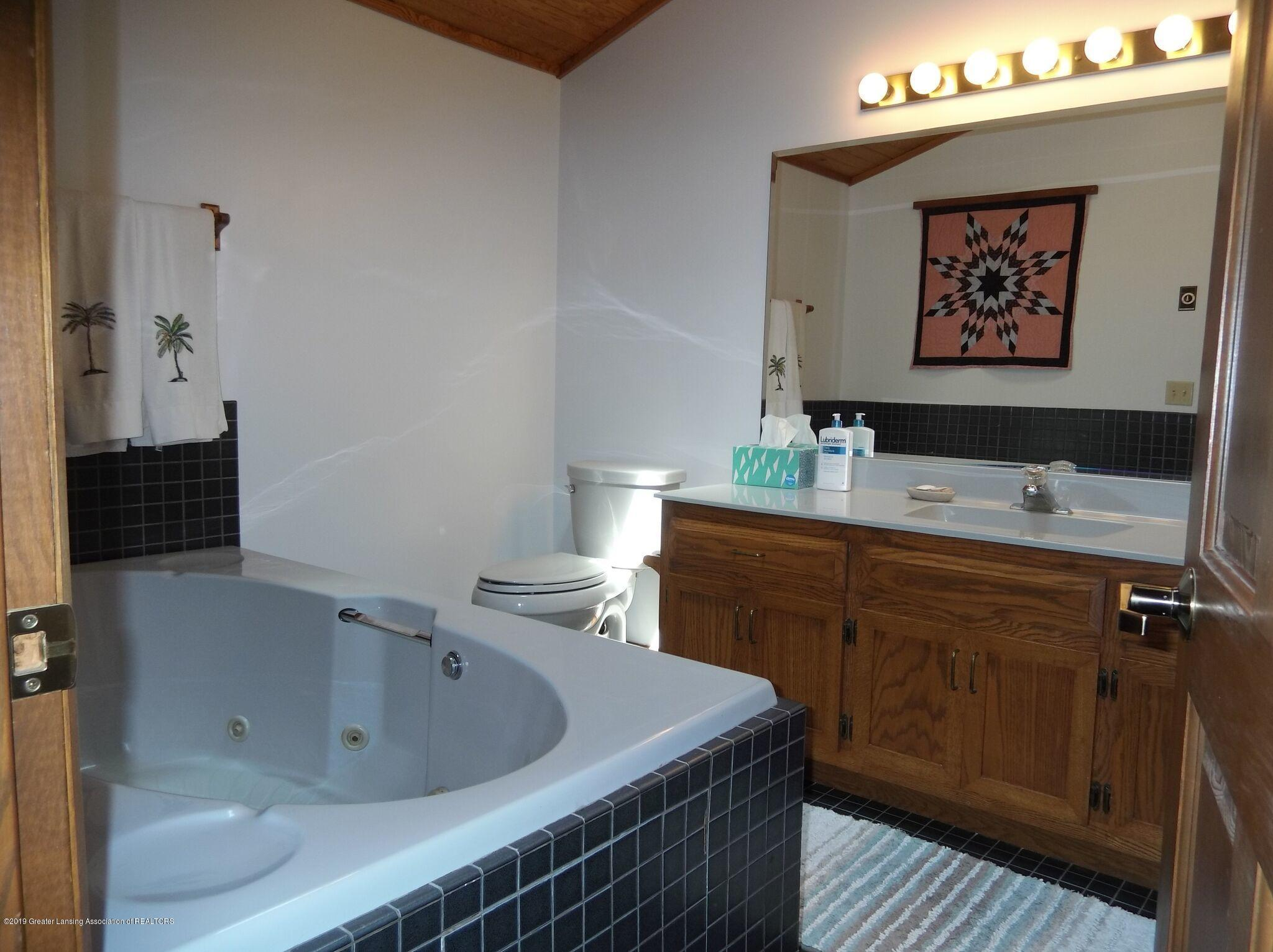 8144 Corrison Rd - Bathroom - 26