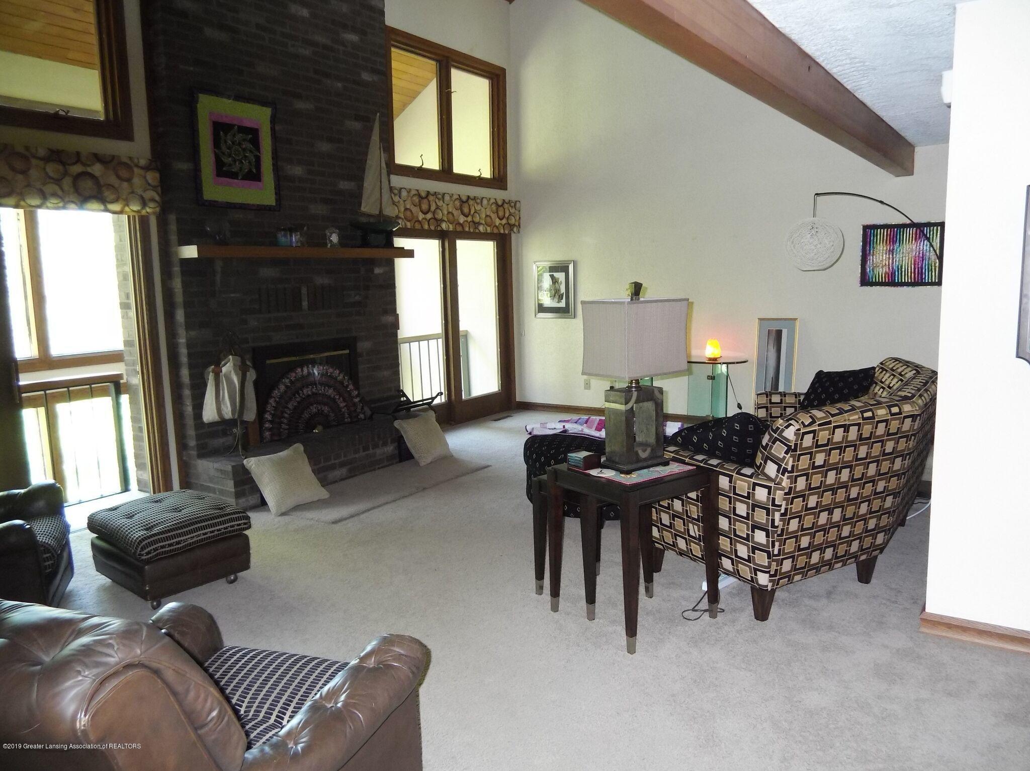 8144 Corrison Rd - Living Room - 10