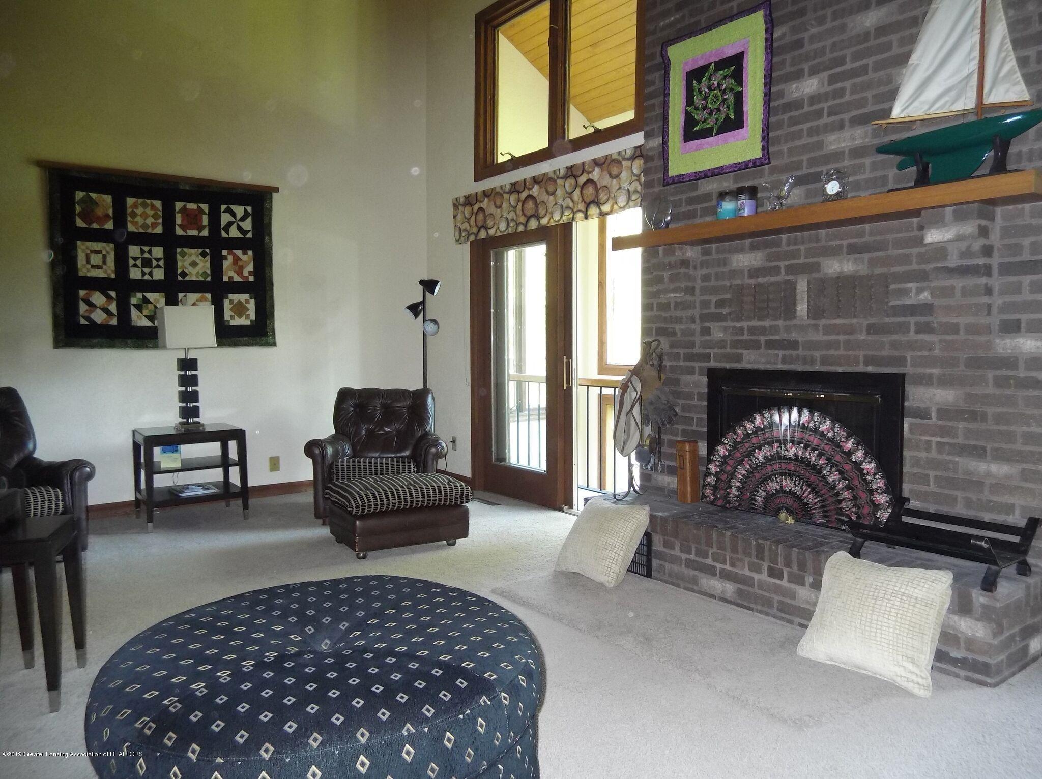 8144 Corrison Rd - Living Room - 12