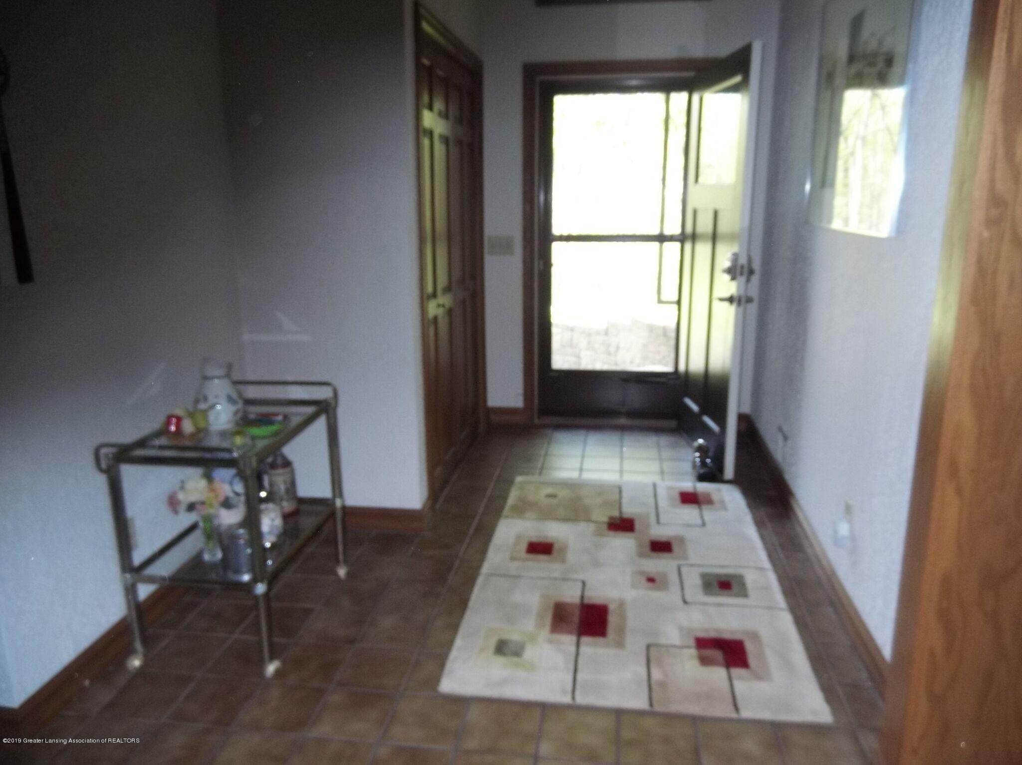 8144 Corrison Rd - Hallway - 3