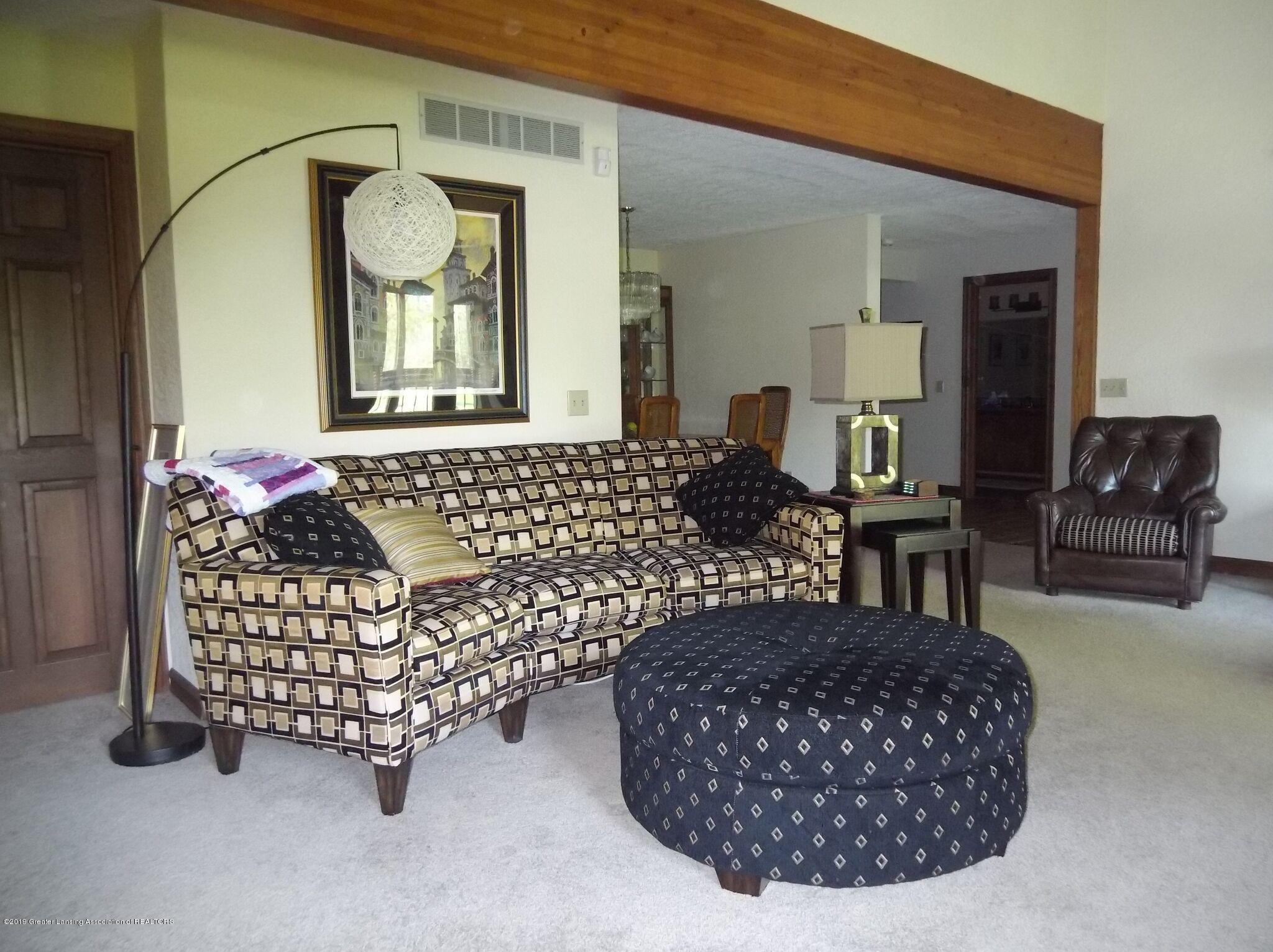 8144 Corrison Rd - Living Room - 13