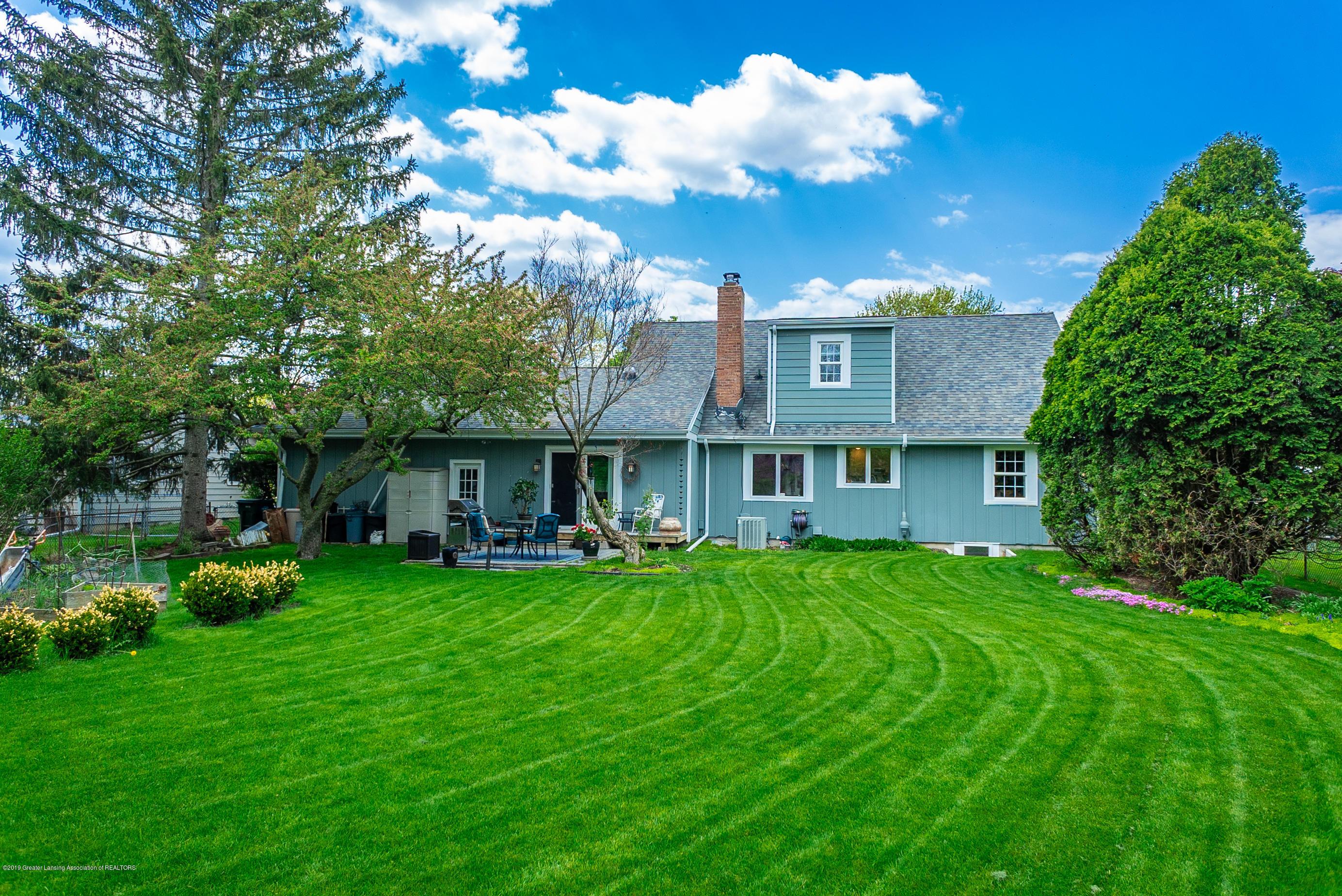 1416 N Homer St - back yard lawn - 43
