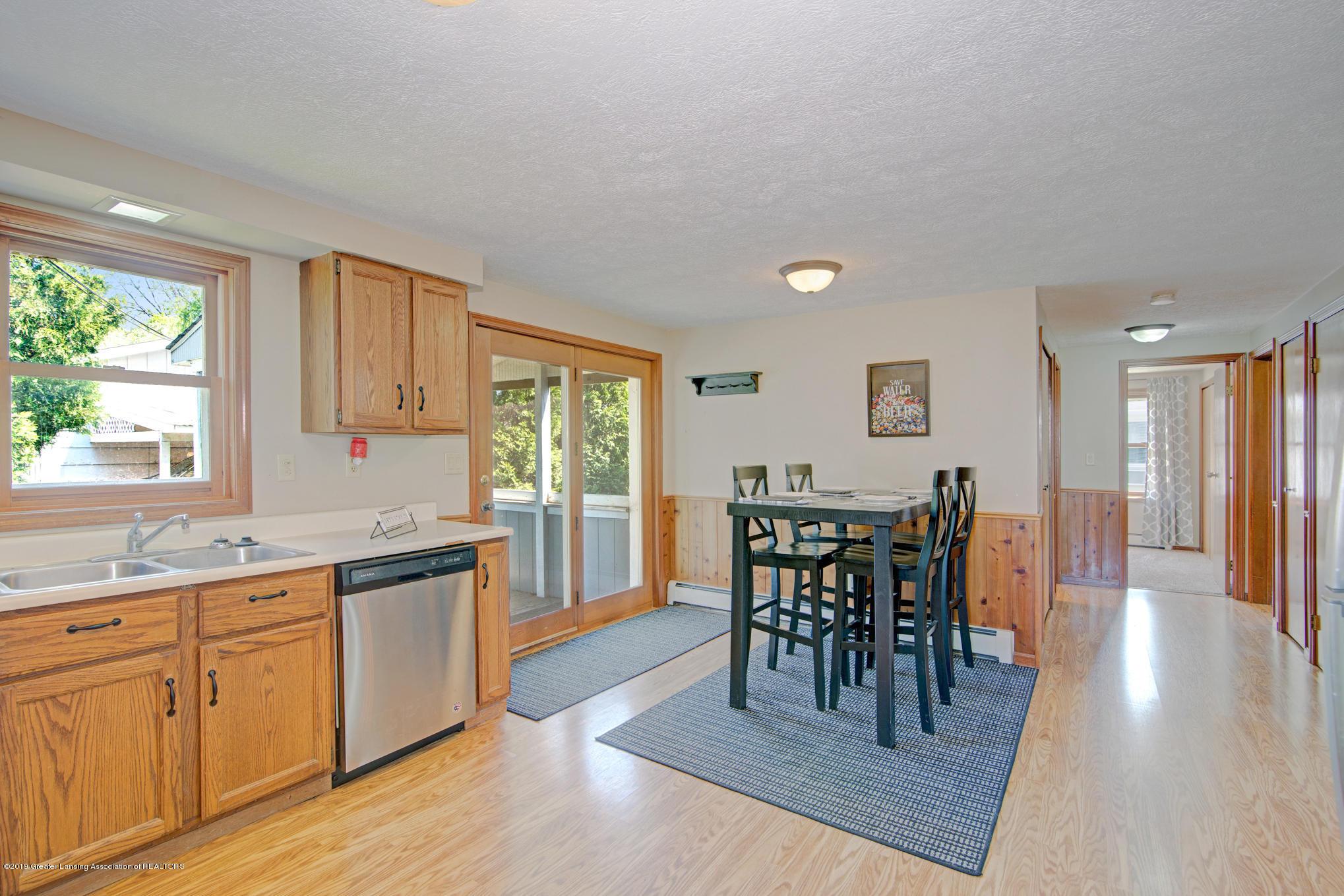 735 E Church St - kitchen - 10