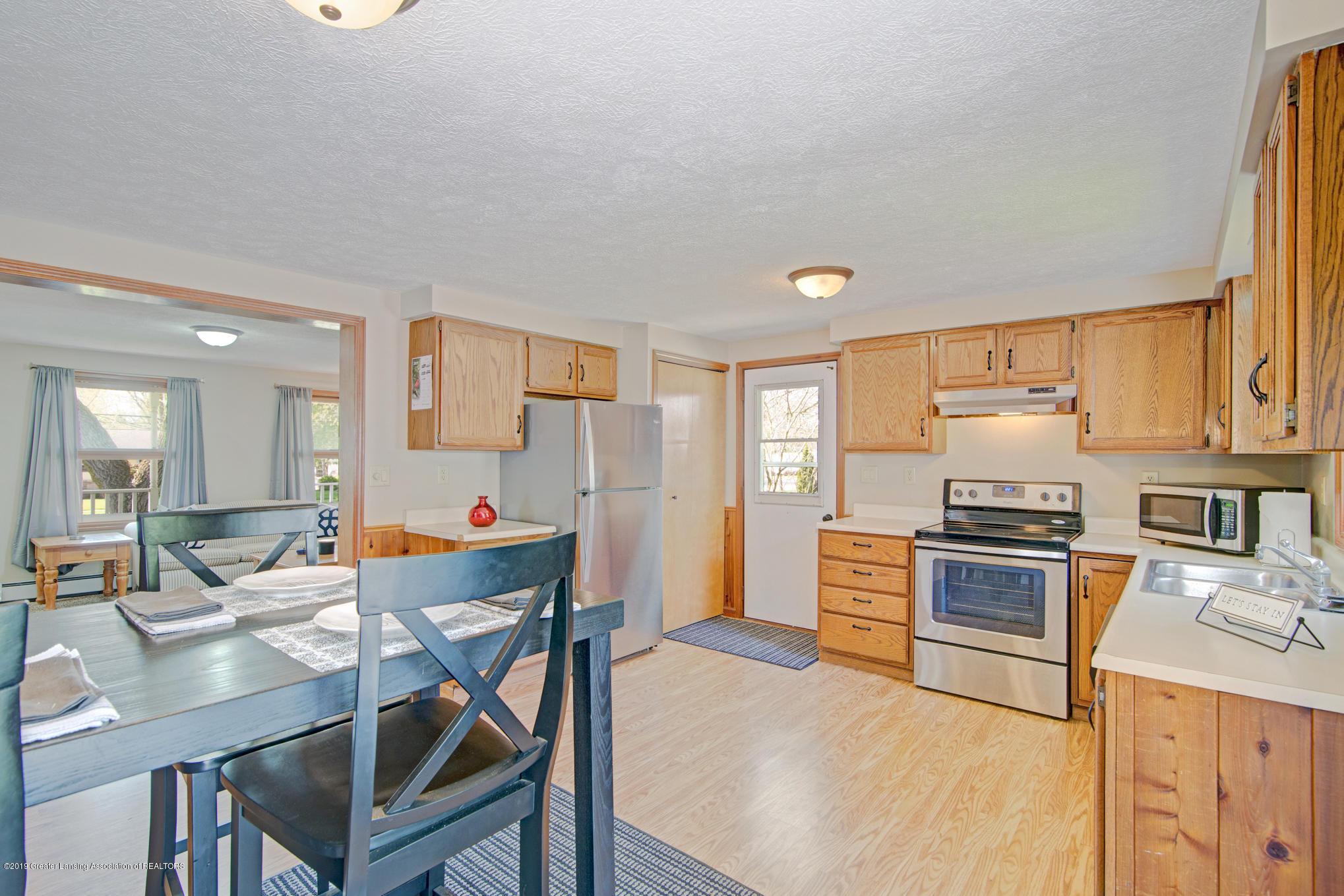 735 E Church St - kitchen - 9