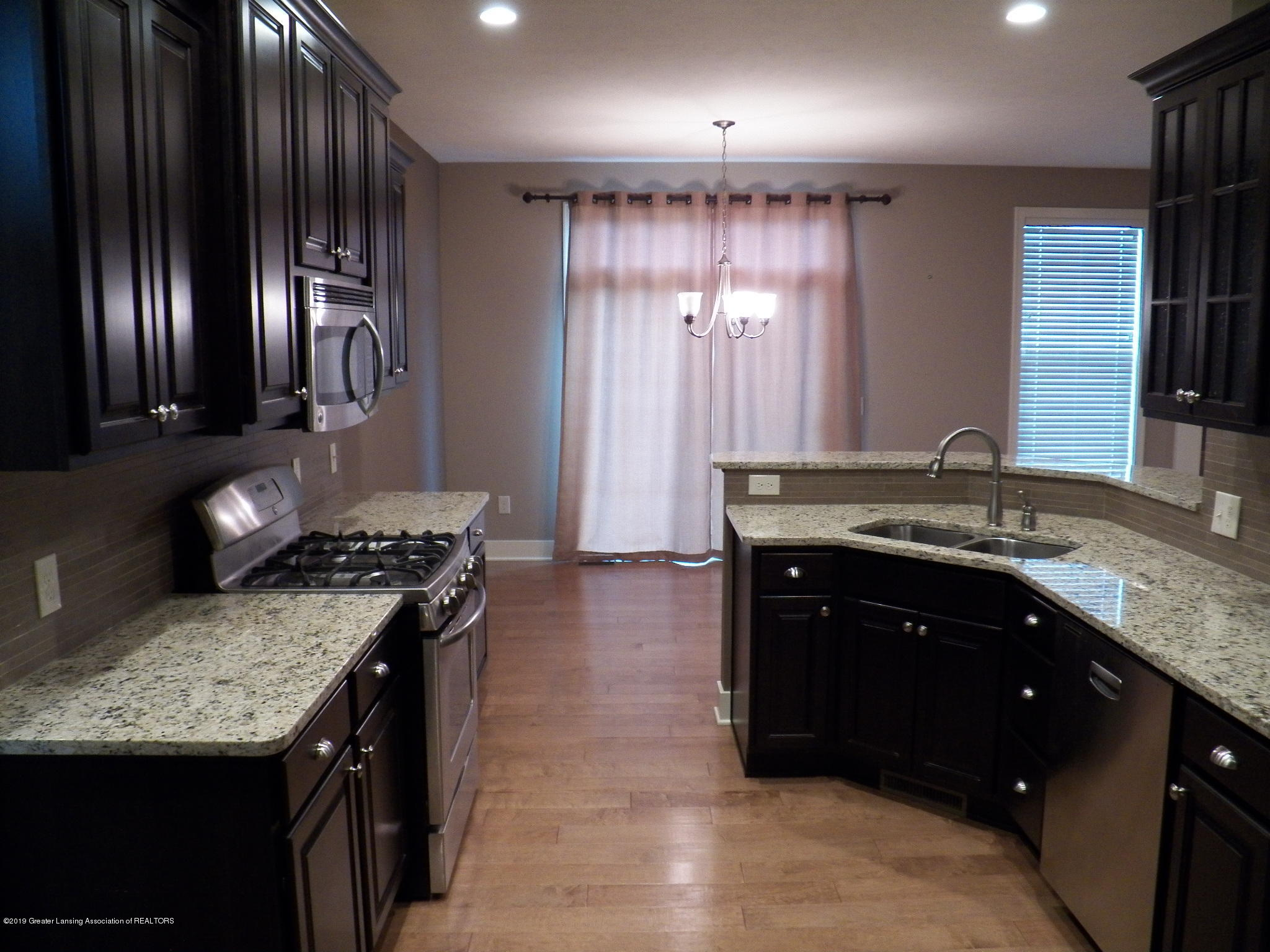 10711 Ireland Dr - kitchen 1 - 4