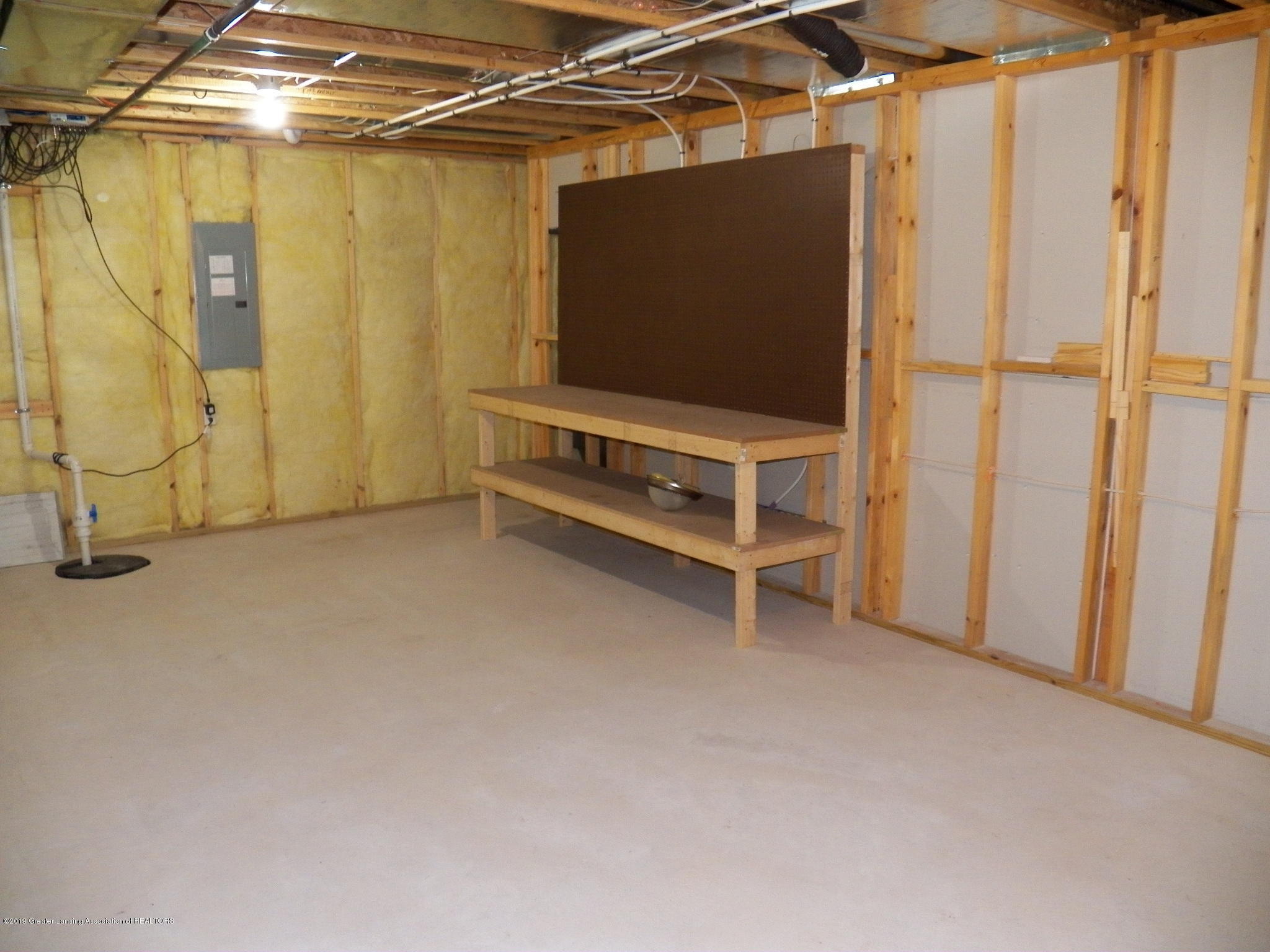 10711 Ireland Dr - basement storage - 21