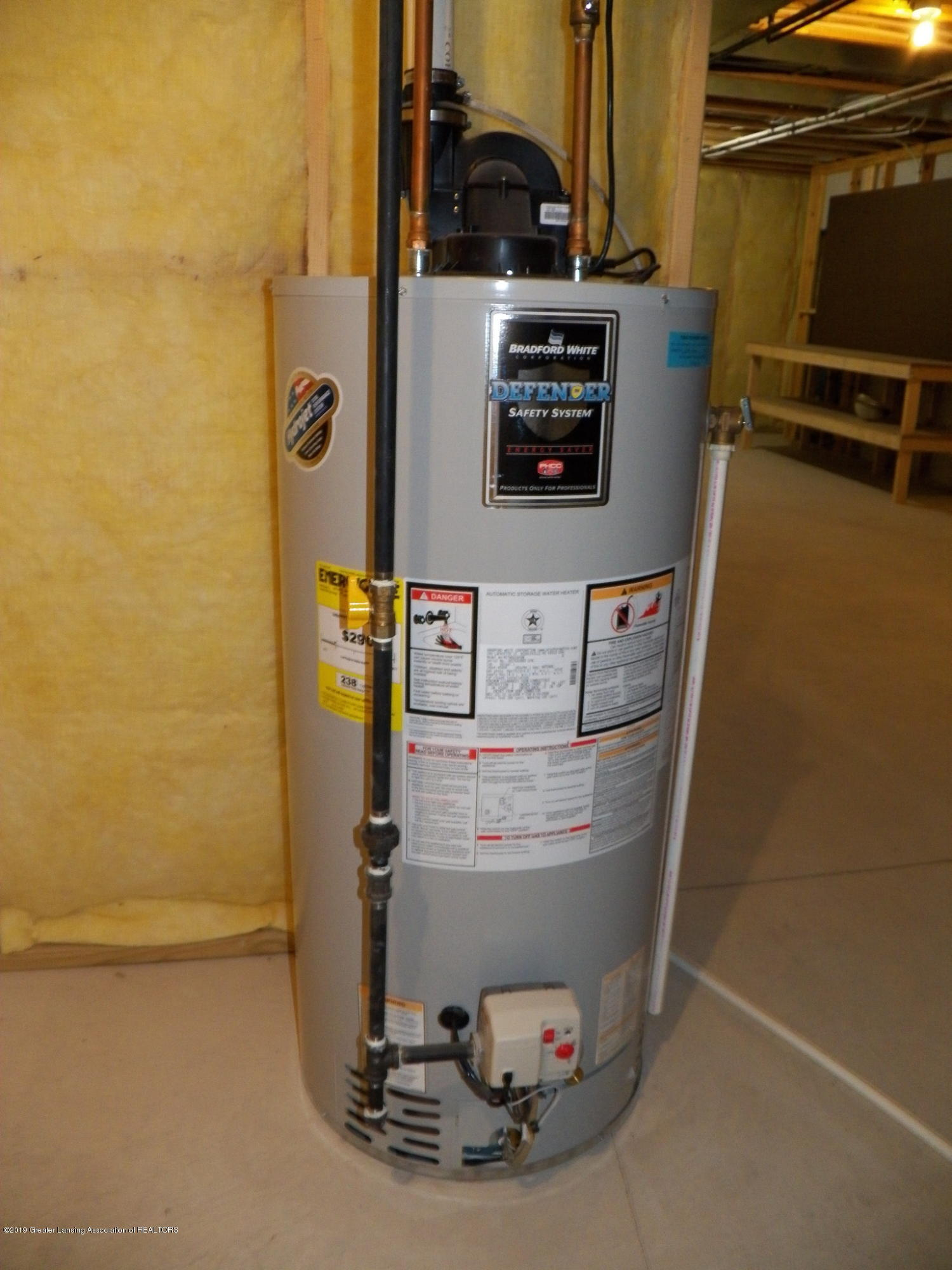 10711 Ireland Dr - hot water heater - 24
