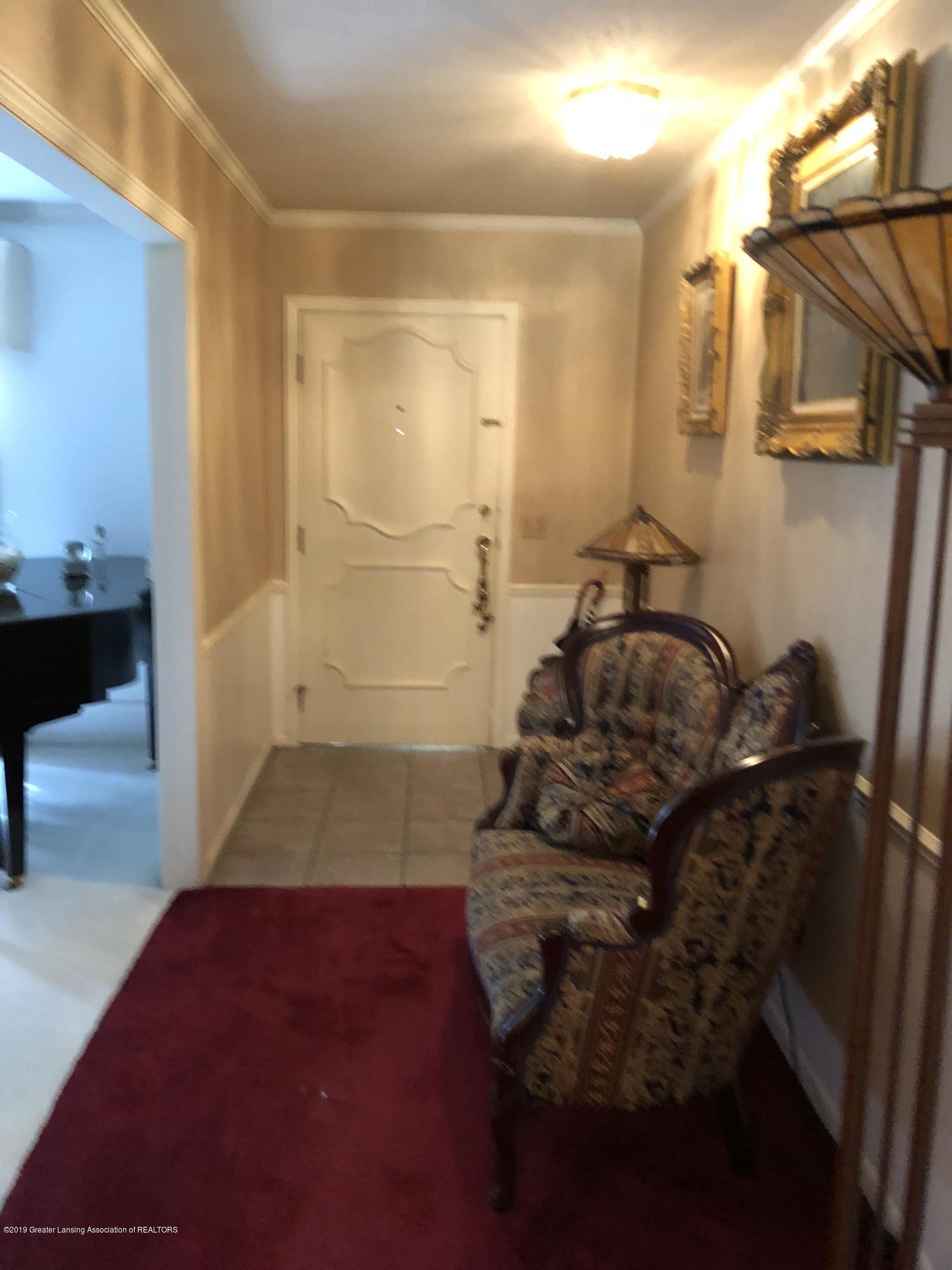 1132 Hillgate Way - Foyer - 3