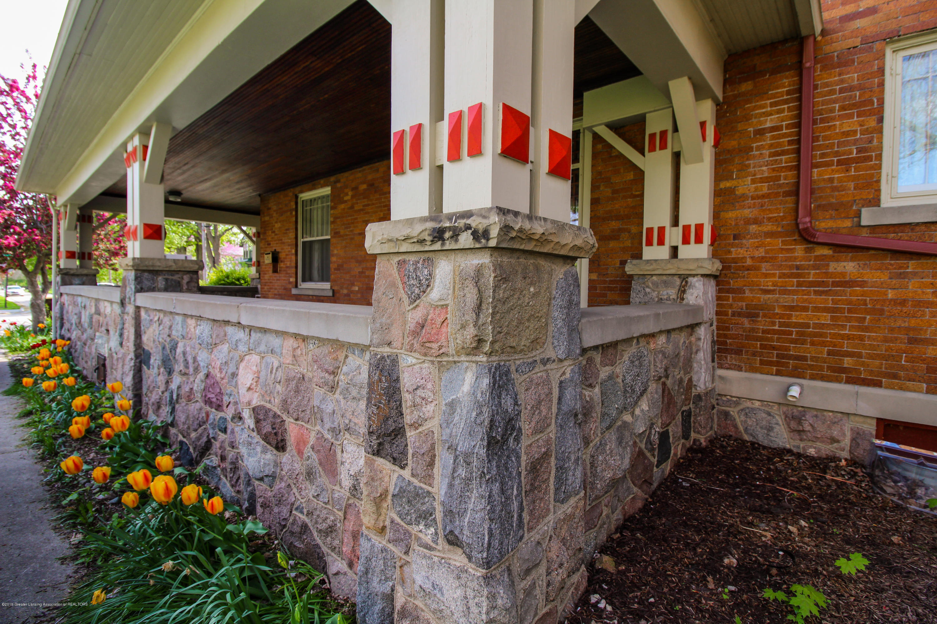 200 W Cass St - Beautiful Stone work - 6