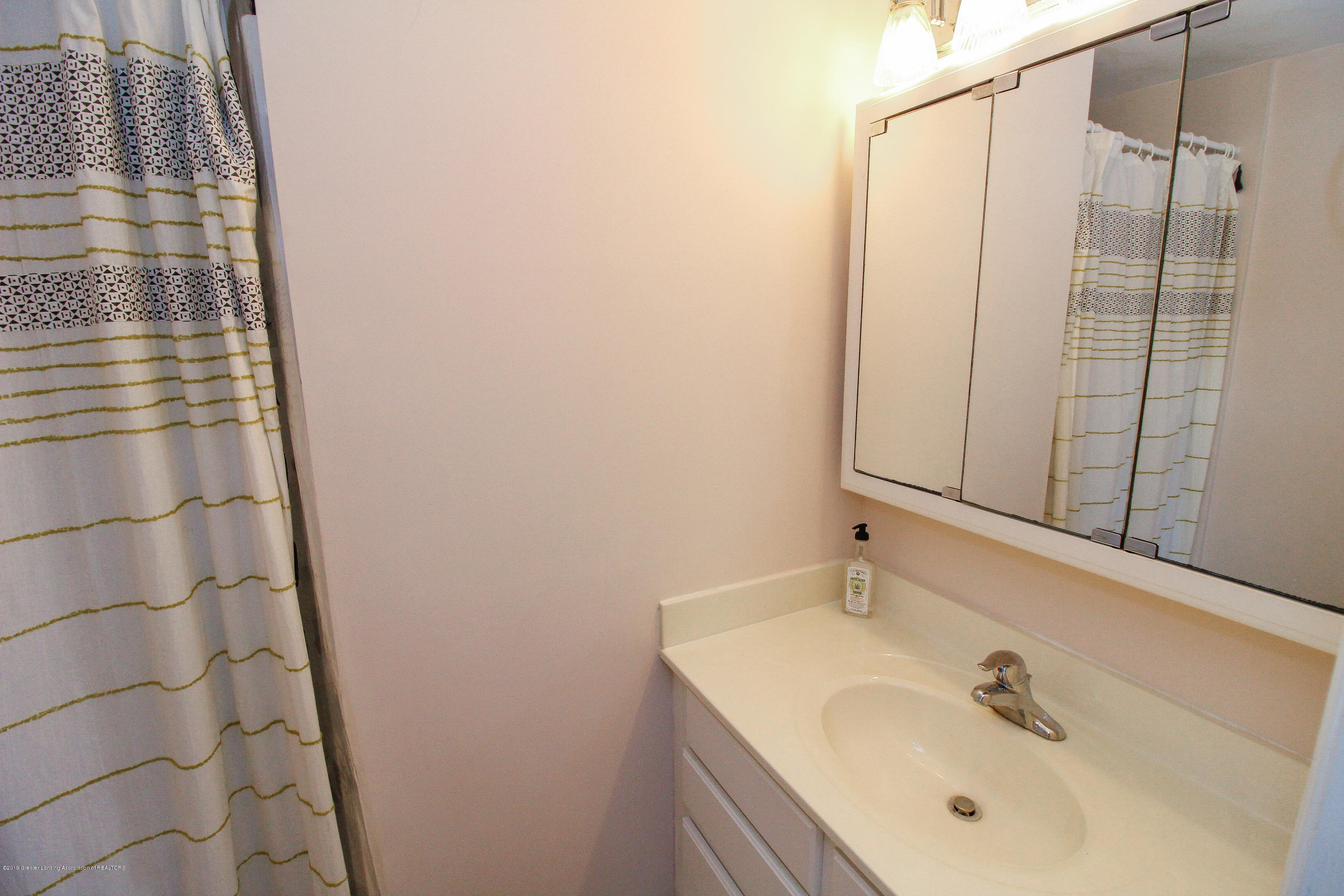 200 W Cass St - Bathroom off Bedroom - 47