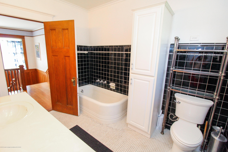 200 W Cass St - Bathroom - 49