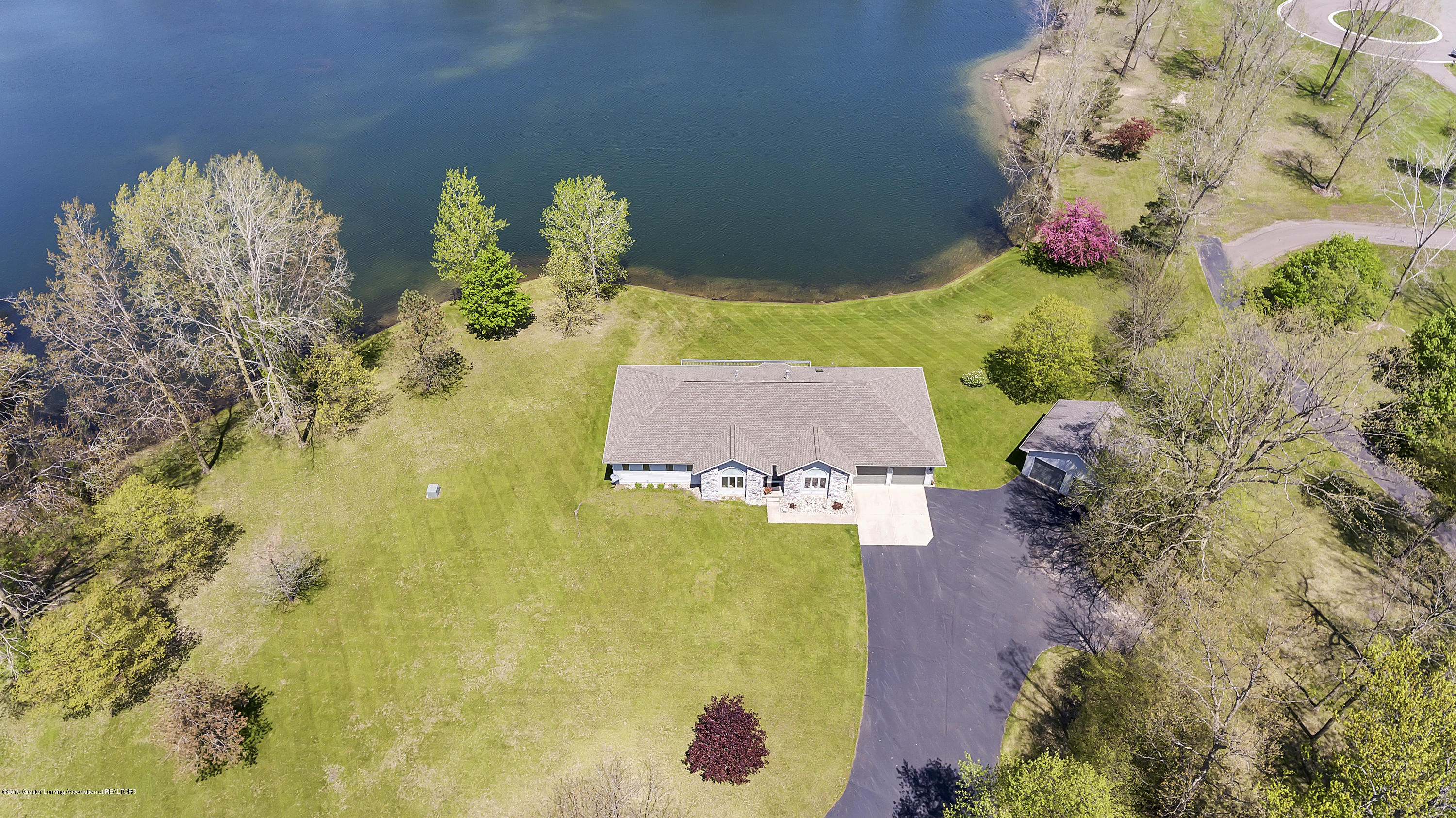 8558 Ironstone - top view - 51