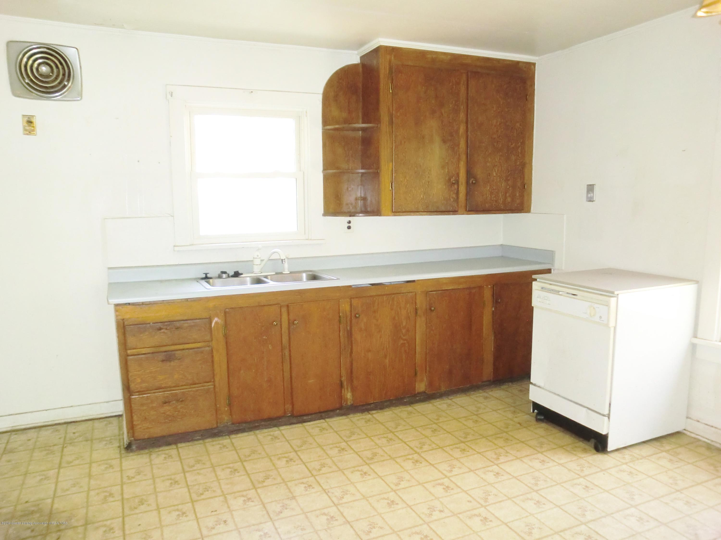 800 Loa St - Kitchen - 8
