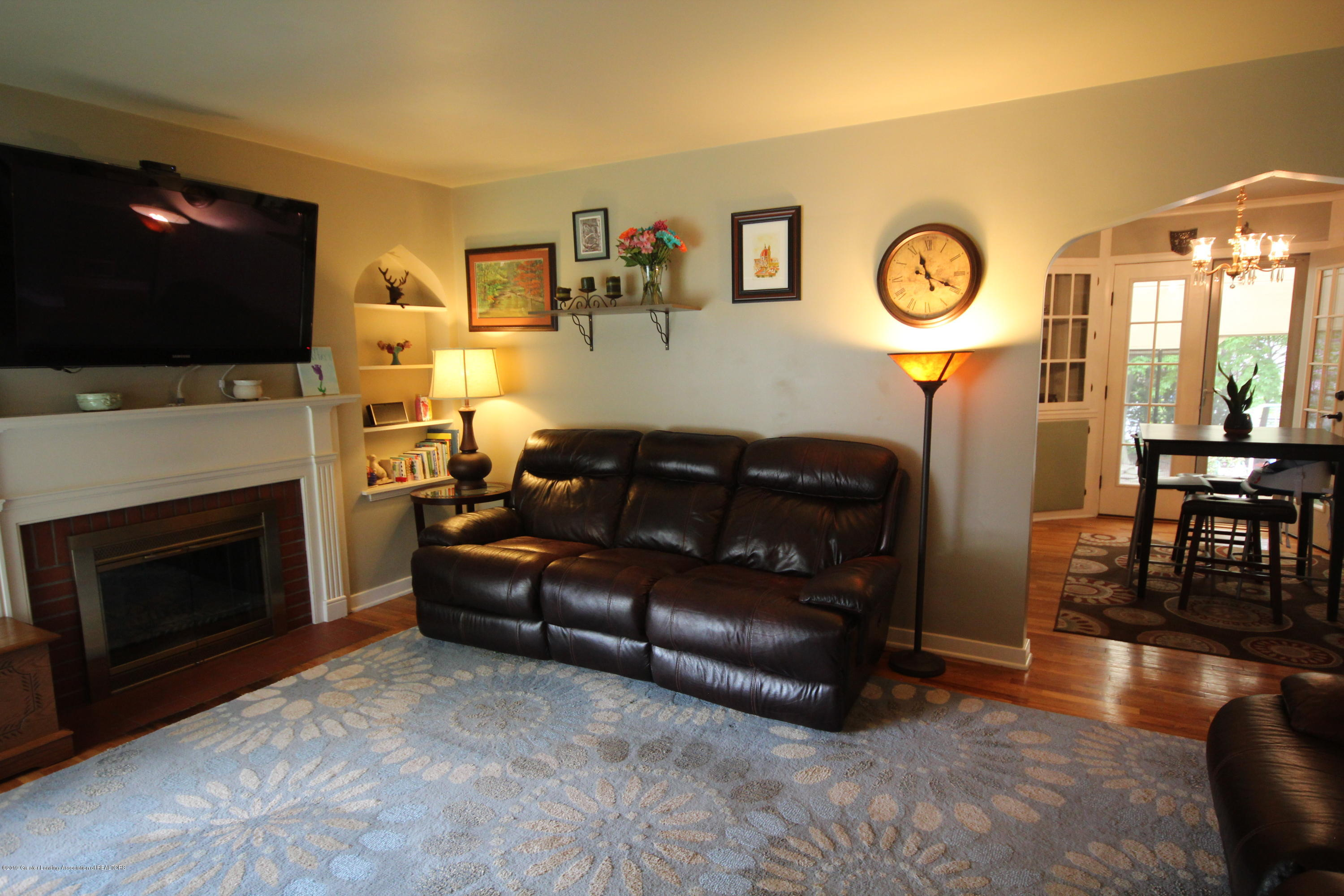 721 Downer Ave - Living Room - 2