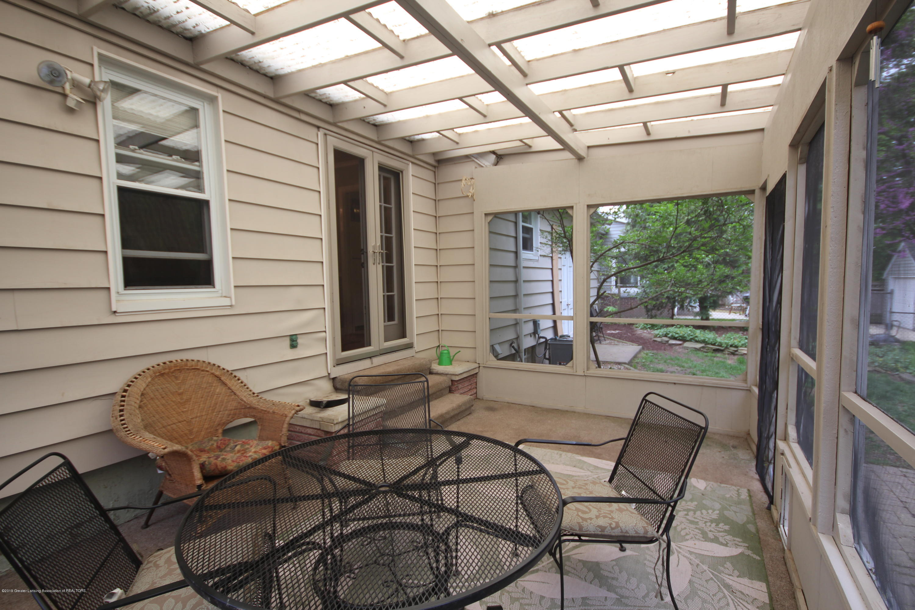 721 Downer Ave - Screened Porch - 16
