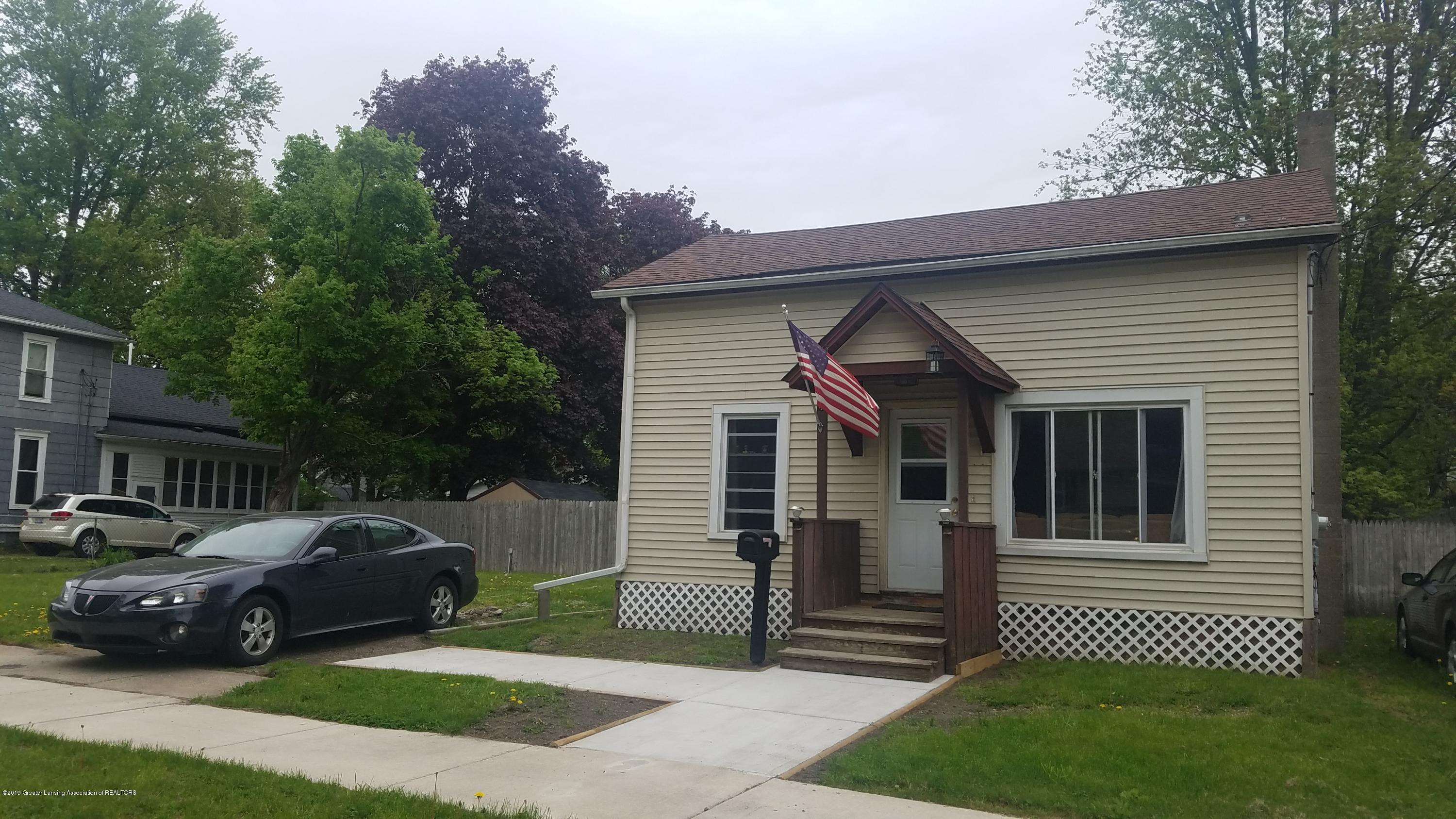 314 N Sheldon St - FRONT OF HOME - 1