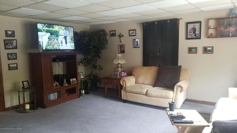 314 N Sheldon St - LIVING ROOM - 9