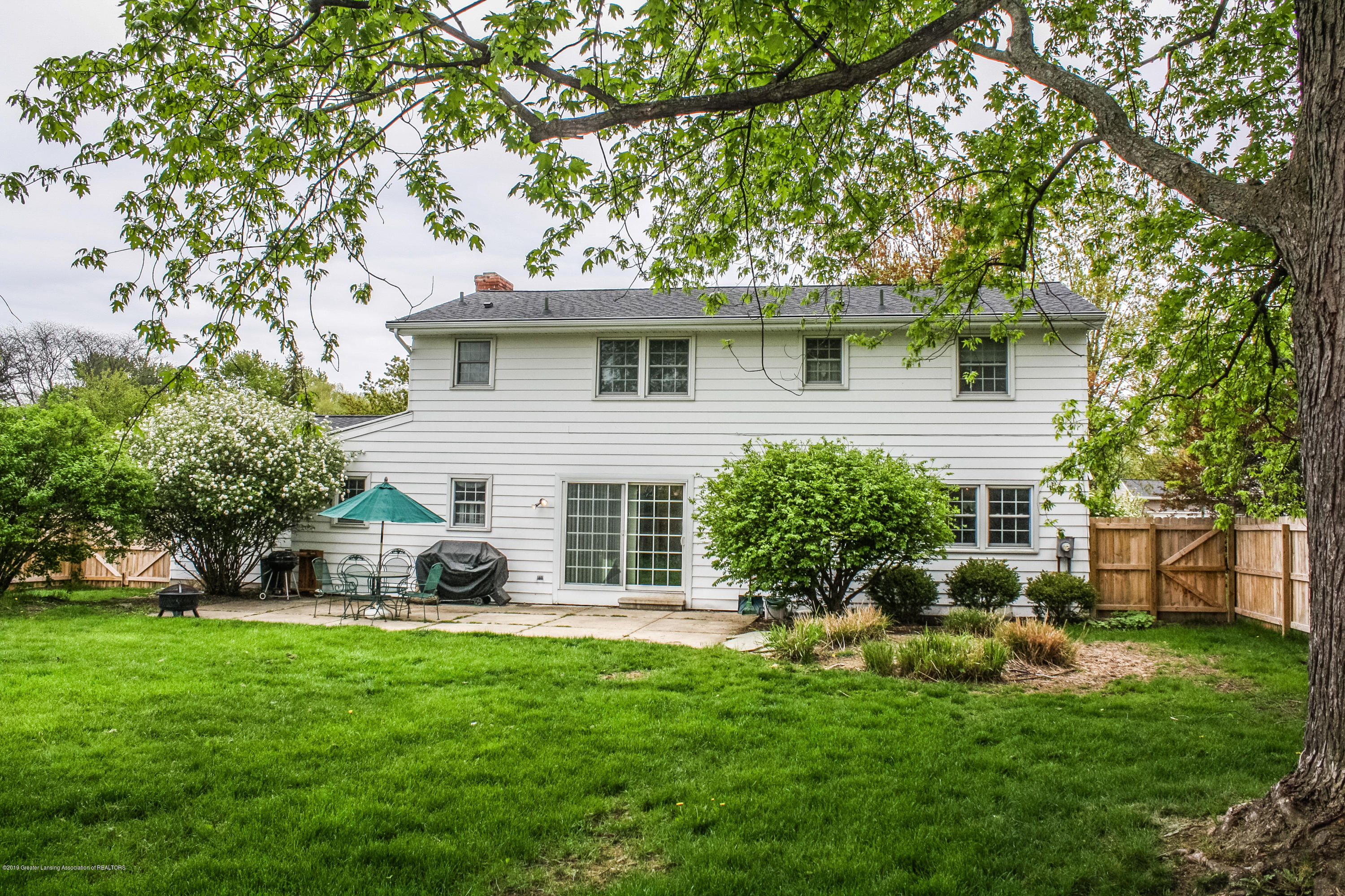 2932 Colony Dr - Back - 46