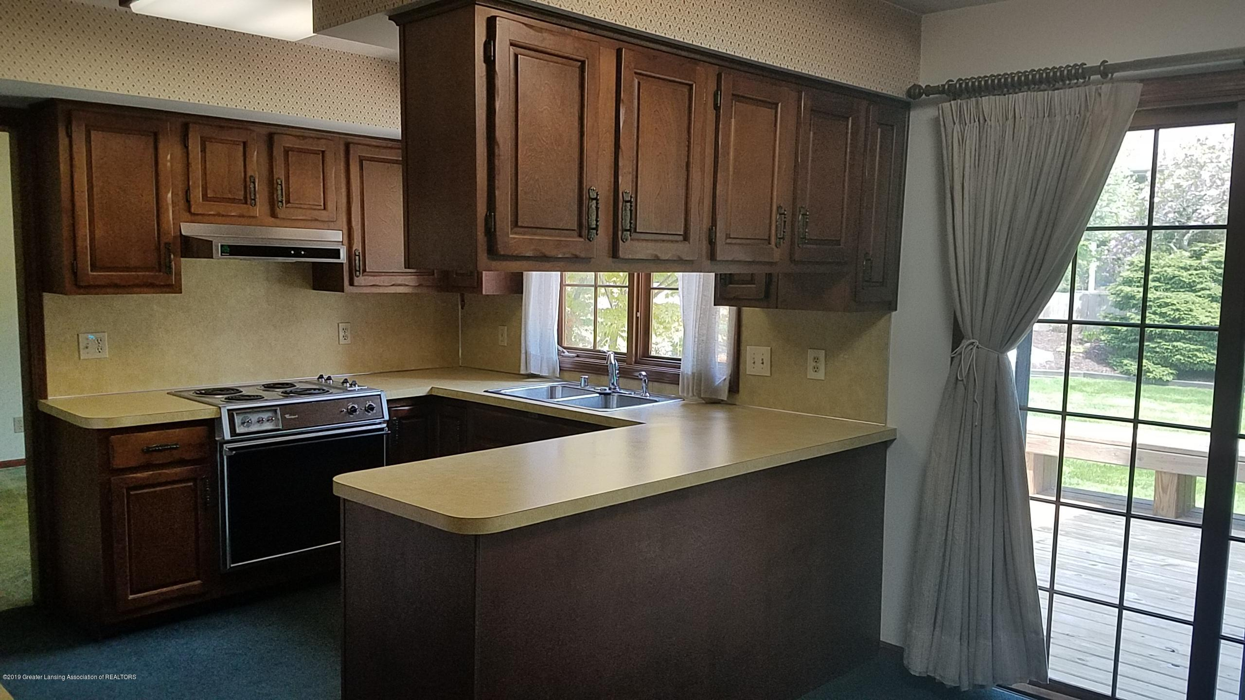 4428 Seneca Dr - Kitchen - 7