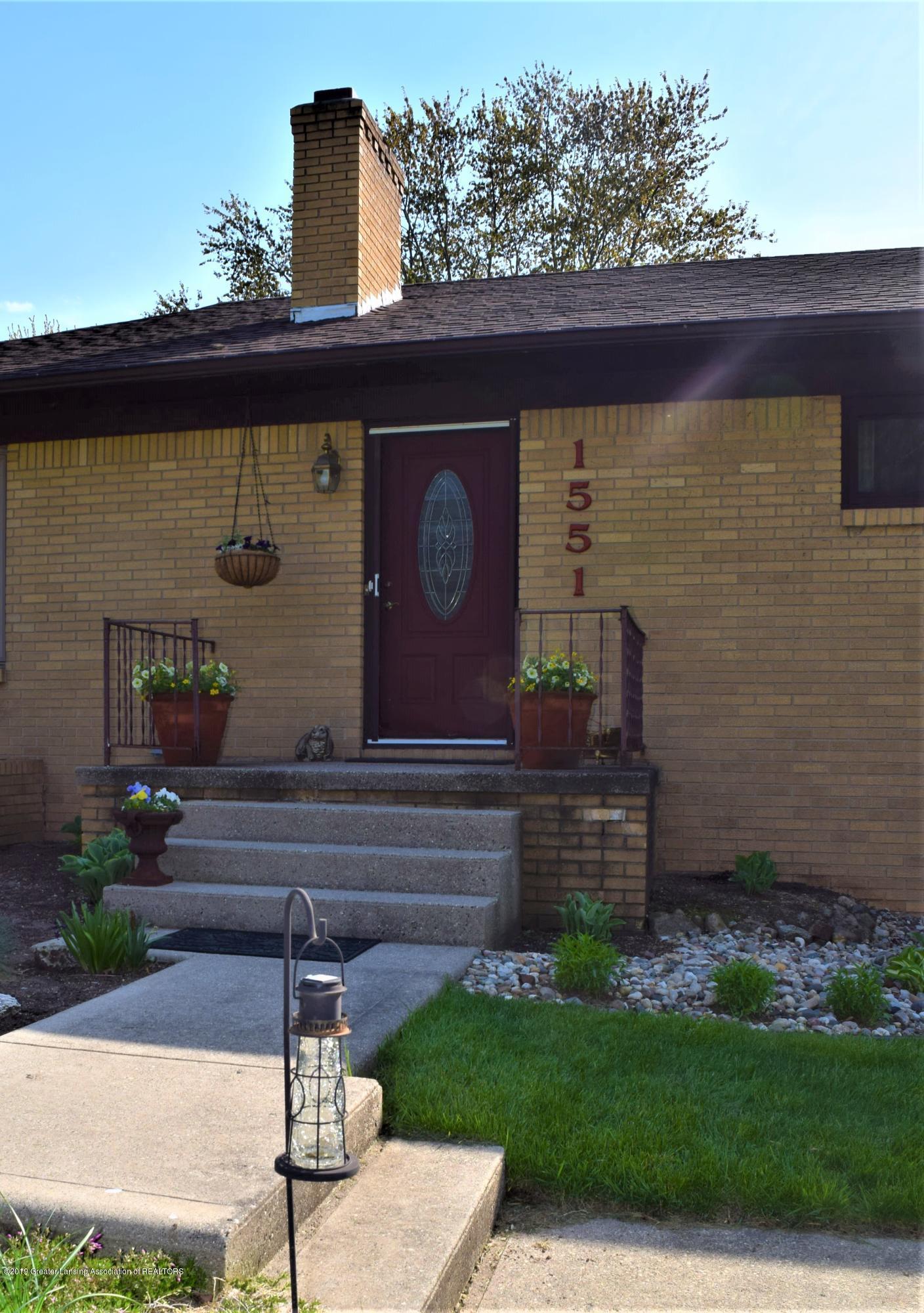1551 Greenview Ave - DSC_0043 - 8