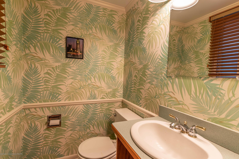 1825 N Harrison Rd - Half Bath - 14