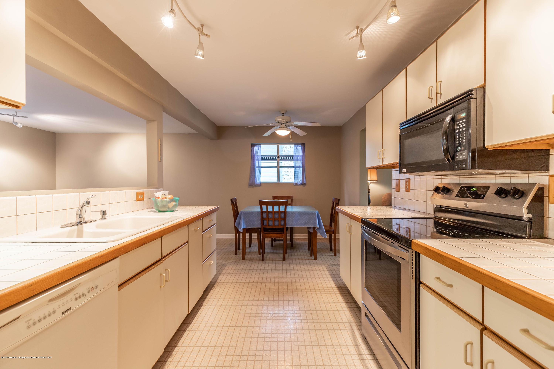 1825 N Harrison Rd - Kitchen - 9
