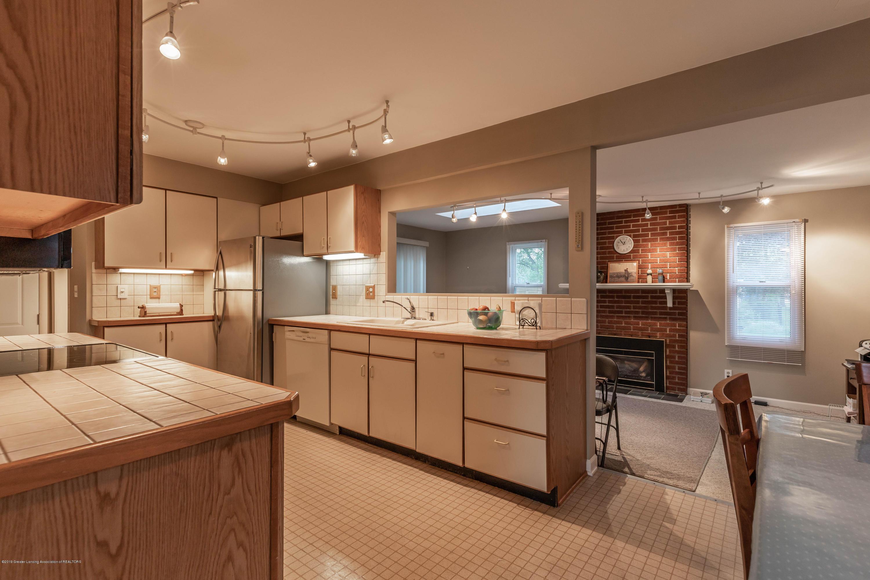 1825 N Harrison Rd - Kitchen - 7