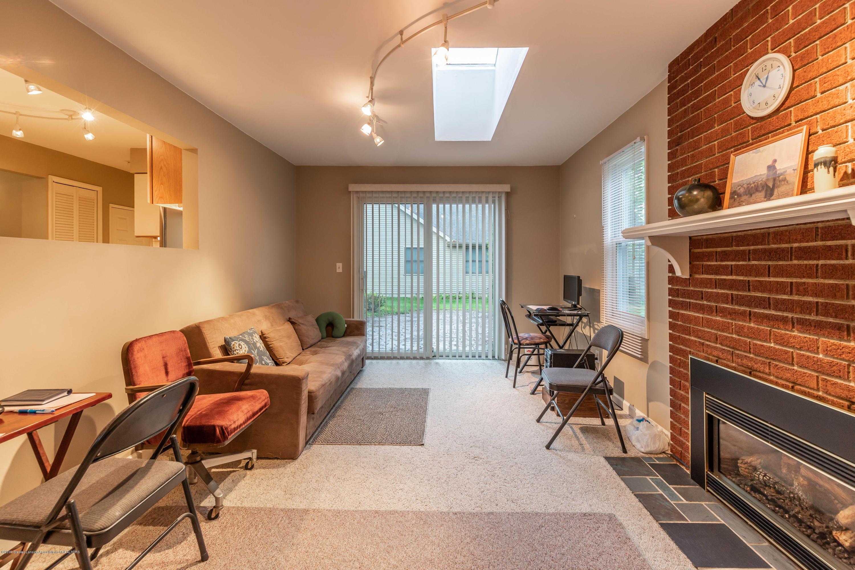 1825 N Harrison Rd - Family room - 12