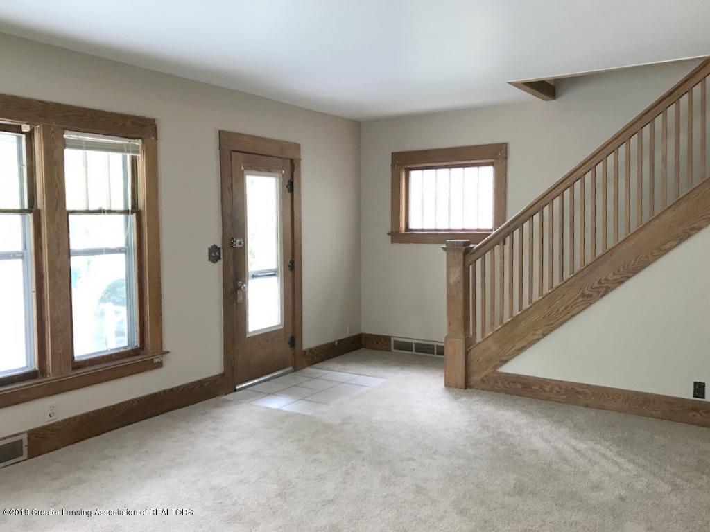 206 Clifford St - new carpet living room - 2