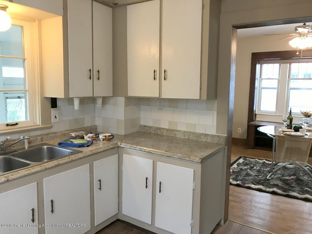 206 Clifford St - kitchen to dining room - 5