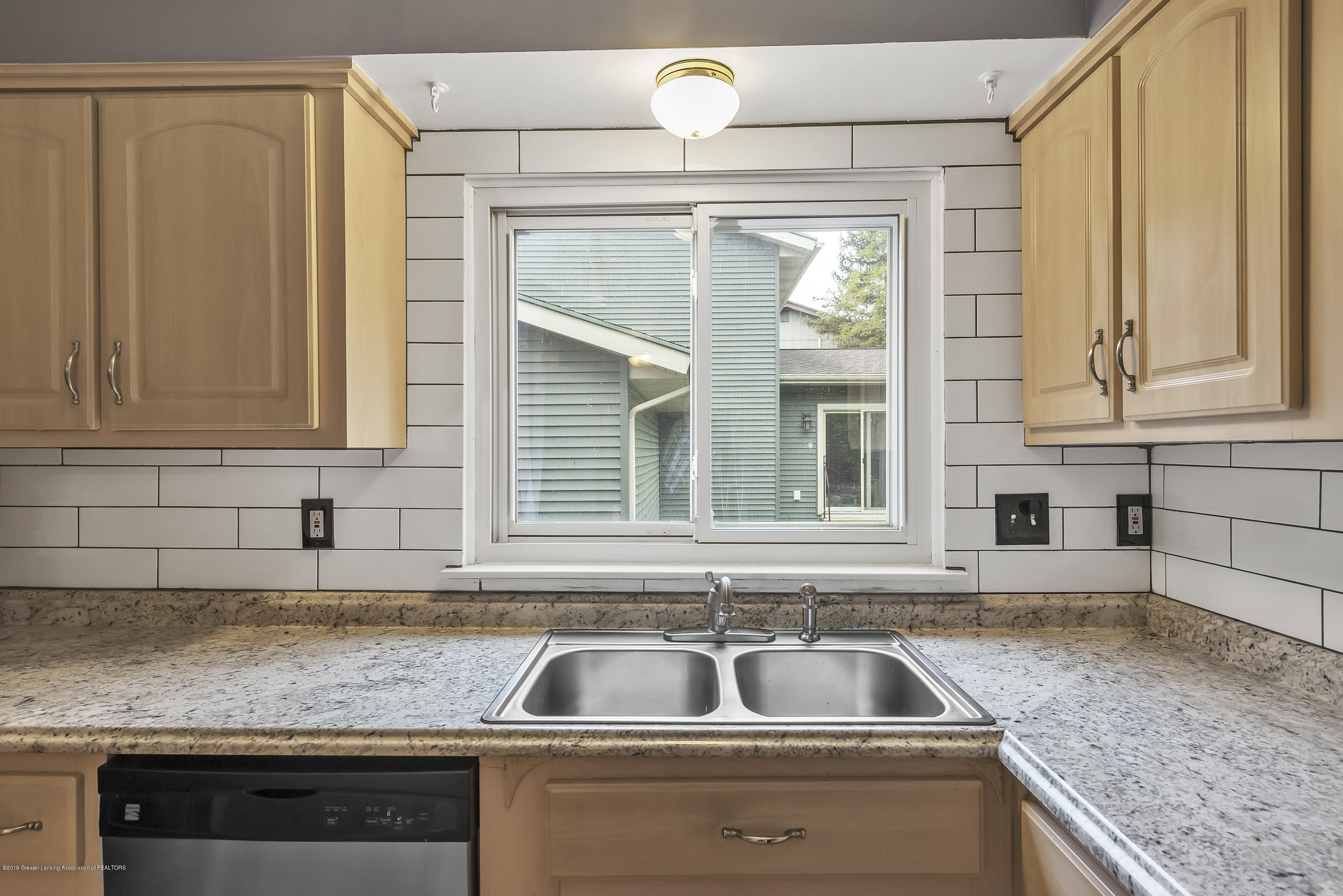 1336 Chartwell Dual Carriage Way - 1336-Chartwell-Duel-Carriage-Way-South-E - 16