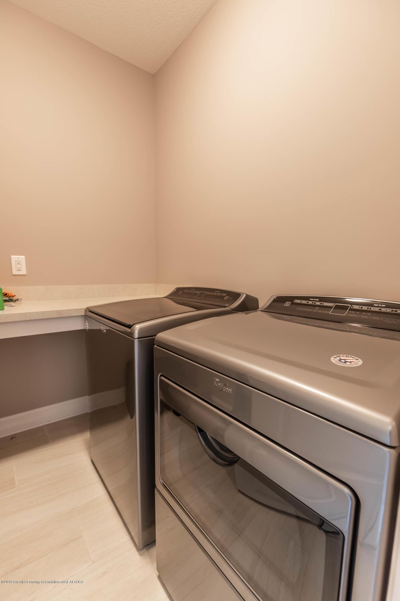 3843 Fossum Ln - Laundry Room - 32