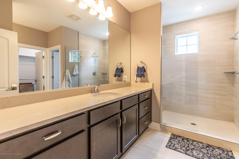 3843 Fossum Ln - Master Bathroom - 39